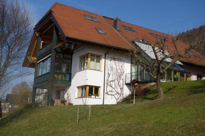Villa mit Bade- und Bootshaus am Traunsee
